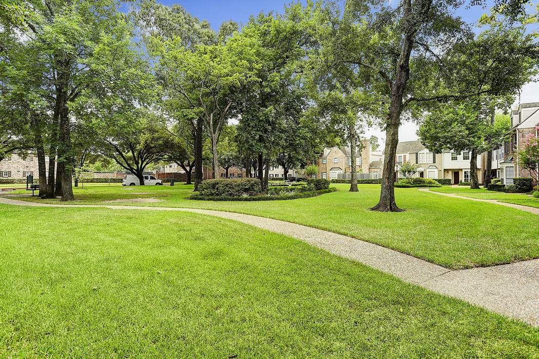 13212 Trail Hollow Drive Houston, TX 77079