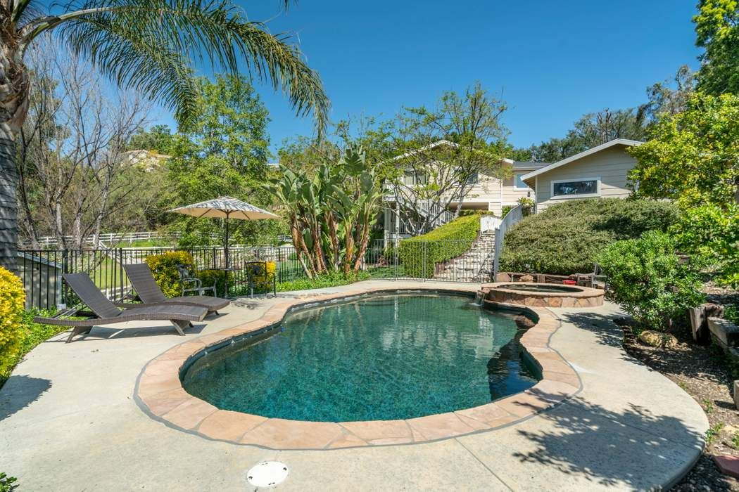 CUSTOM HOME ON PRIVATE ACRE, OLD AGOURA Agoura Hills, CA 91301
