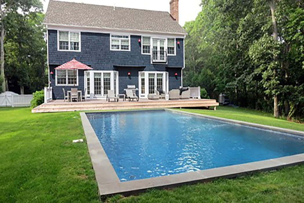 28 Thomas Avenue East Hampton, NY 11937