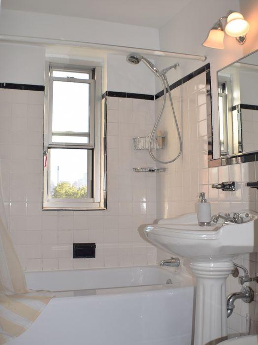 577 Grand Street New York, NY 10002