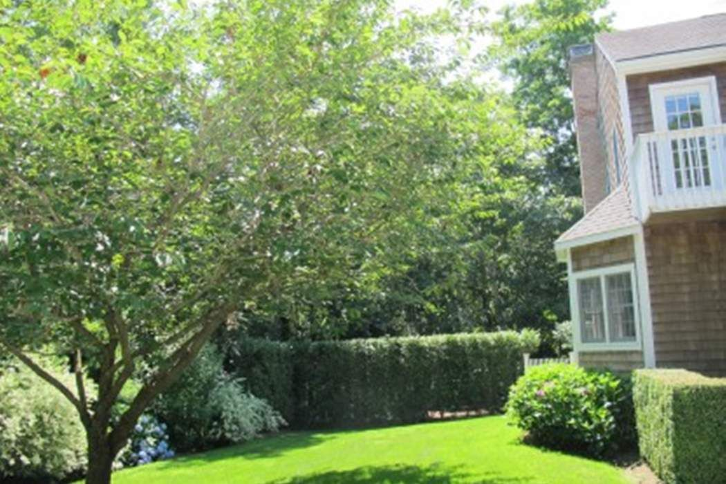 Picturesque Bridgehampton Traditional Bridgehampton, NY 11932