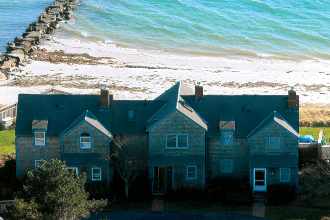 Nantucket Sound Waterfront Townhouse