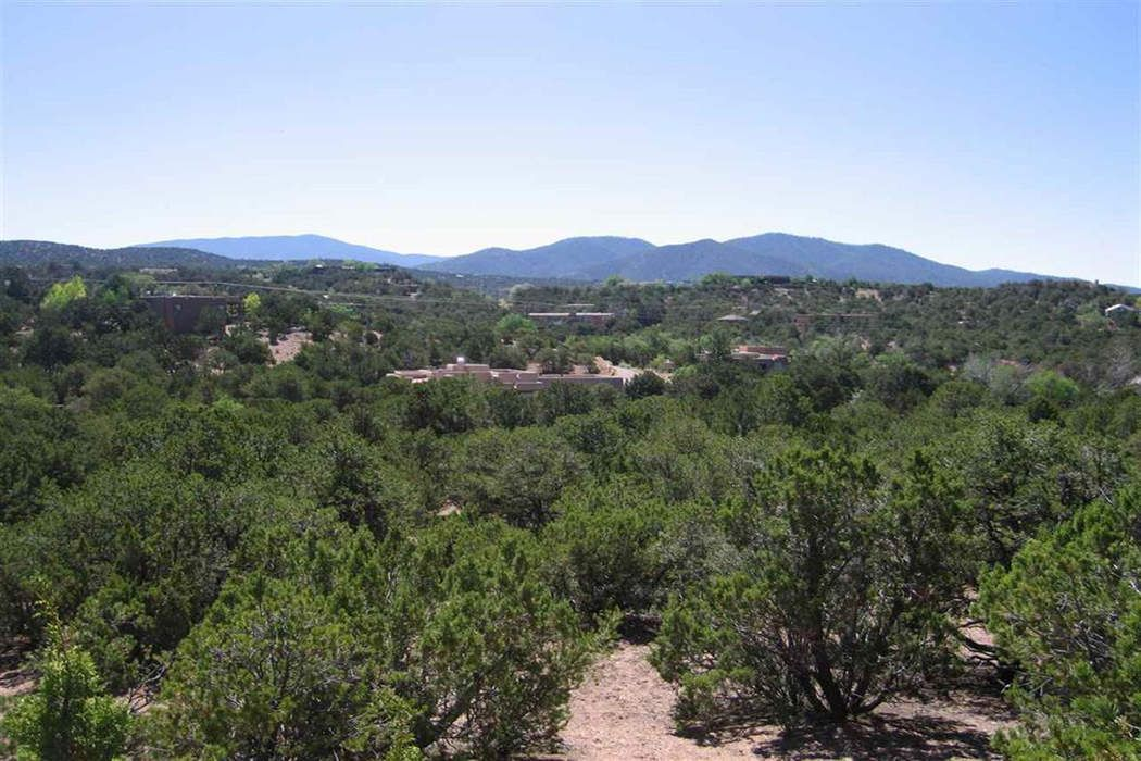 1015 Mansion Ridge Road, Tract Re-5 Santa Fe, NM 87501
