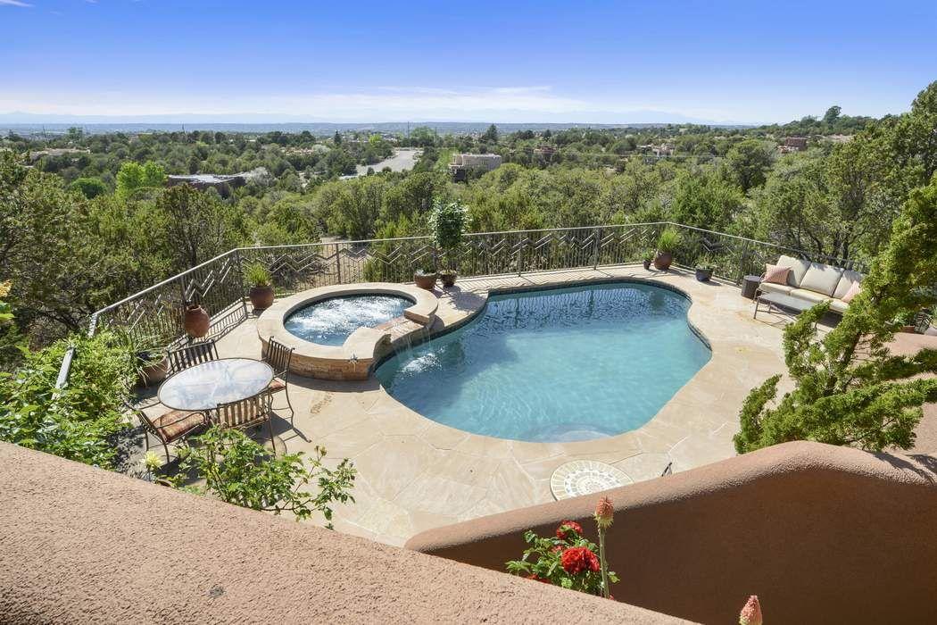 730 Panorama Ln Santa Fe, NM 87501