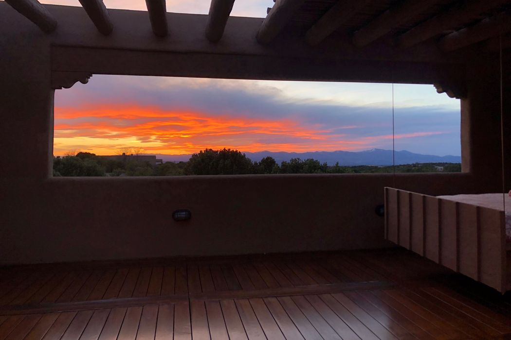 8 San Juan Ranch Road Santa Fe, NM 87506