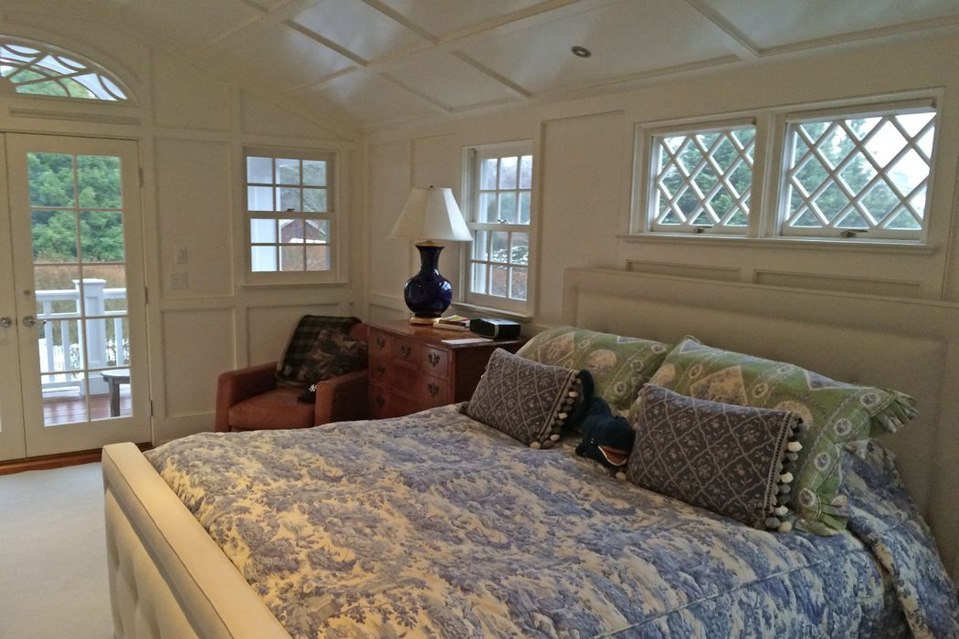 28 Cooper Lane East Hampton, NY 11937