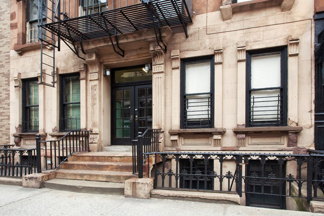 225 East 81st Street New York Ny 10028 Sotheby S