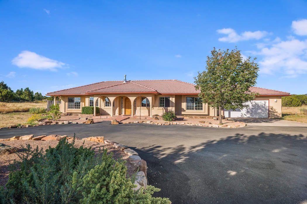 32 Fonda Road Santa Fe, NM 87508