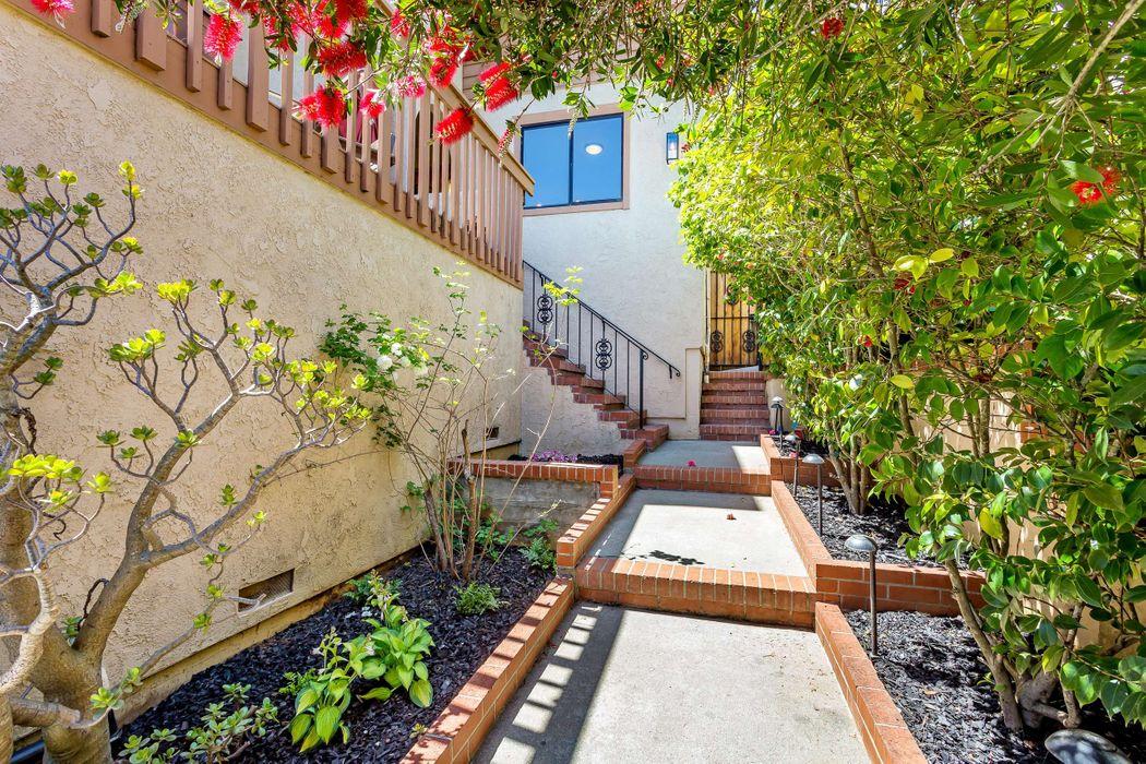 2216 Semeria Ave Belmont, CA 94002