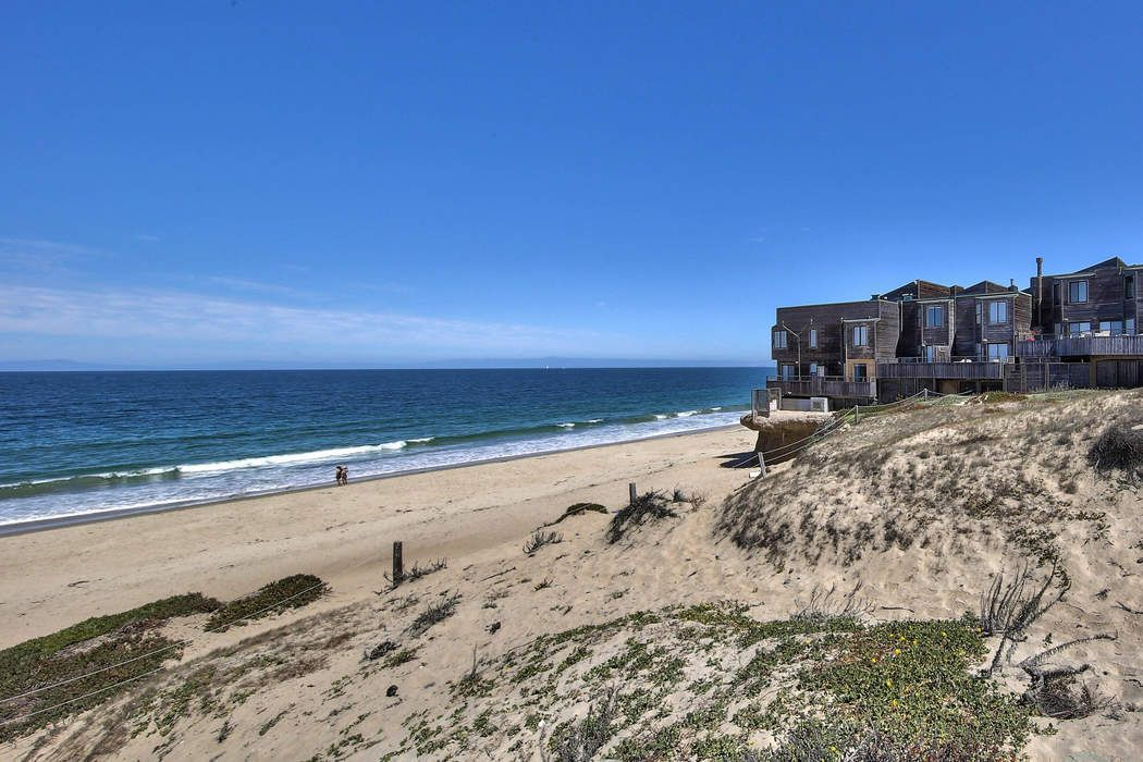 125 Surf Way #439 Monterey, CA 93940