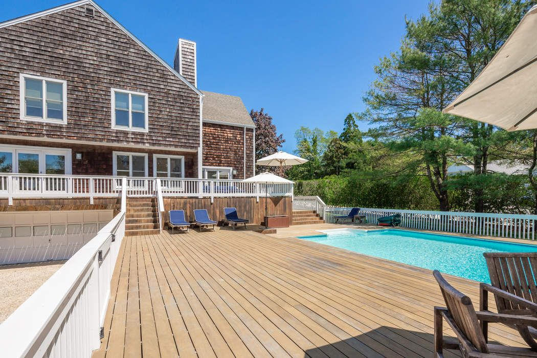 59 North Captains Neck Lane Southampton, NY 11968