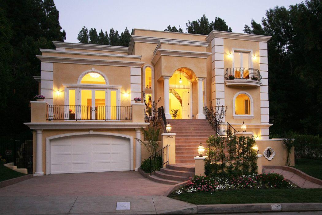 1254 Roscomare Rd Los Angeles, CA 90077