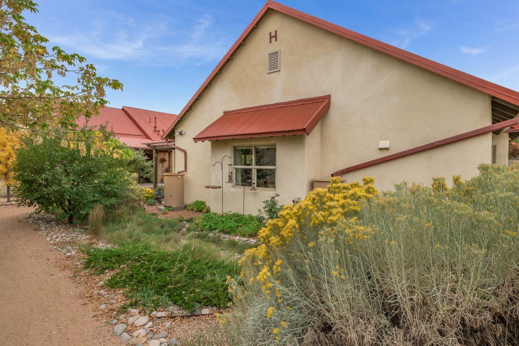 3466 Cerrillos Rd Santa Fe, NM 87507