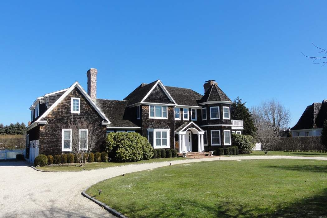 Luxury Living In Bridgehampton