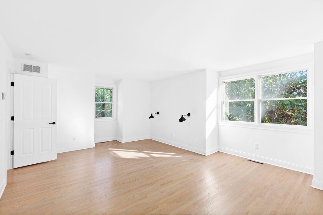 15 South Hill Street Southampton, NY 11968