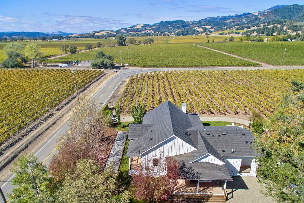 6476 Red Winery Rd Geyserville, CA 95441