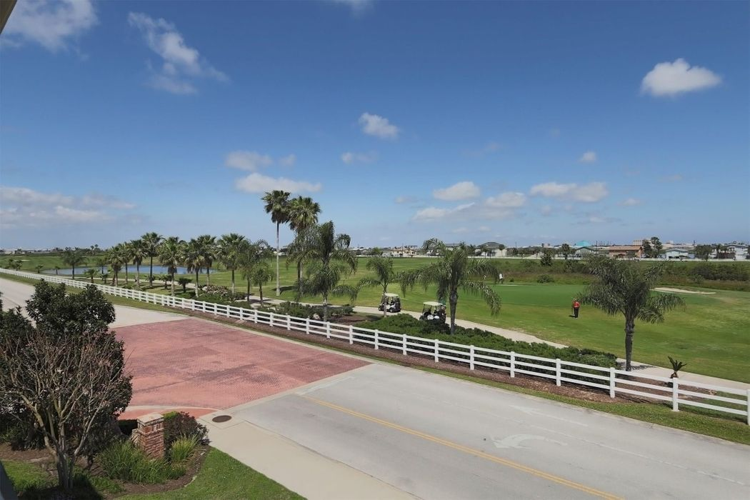 7 Barque Lane Galveston, TX 77554