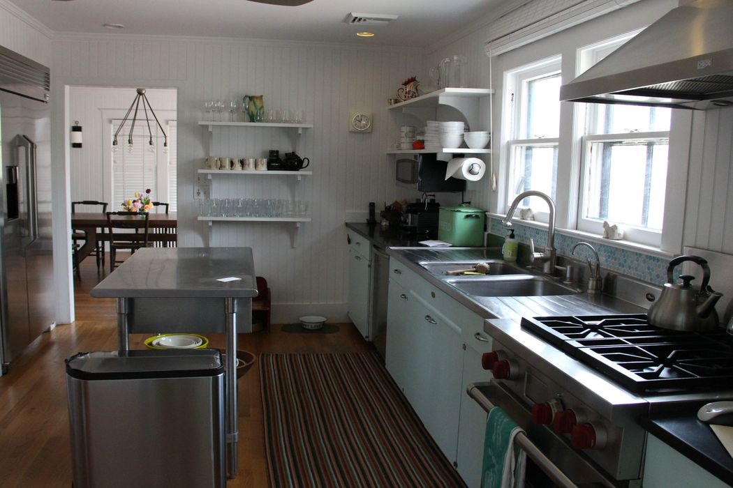 Charming Beach Cottage Sag Harbor, NY 11963