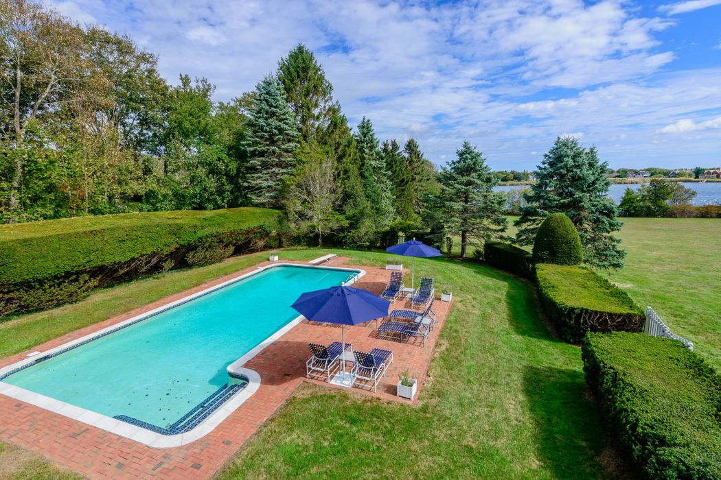 217 Rose Hill Road Water Mill, NY 11975