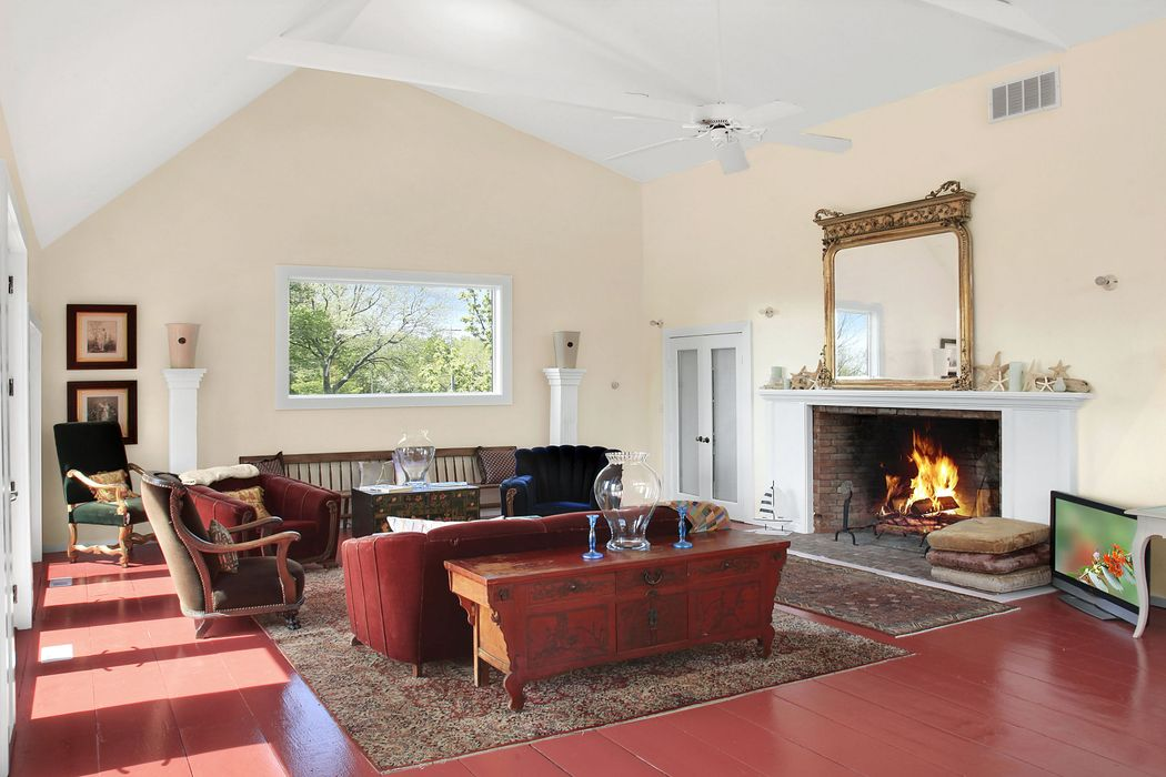 920 Springs Fireplace Road East Hampton, NY 11937