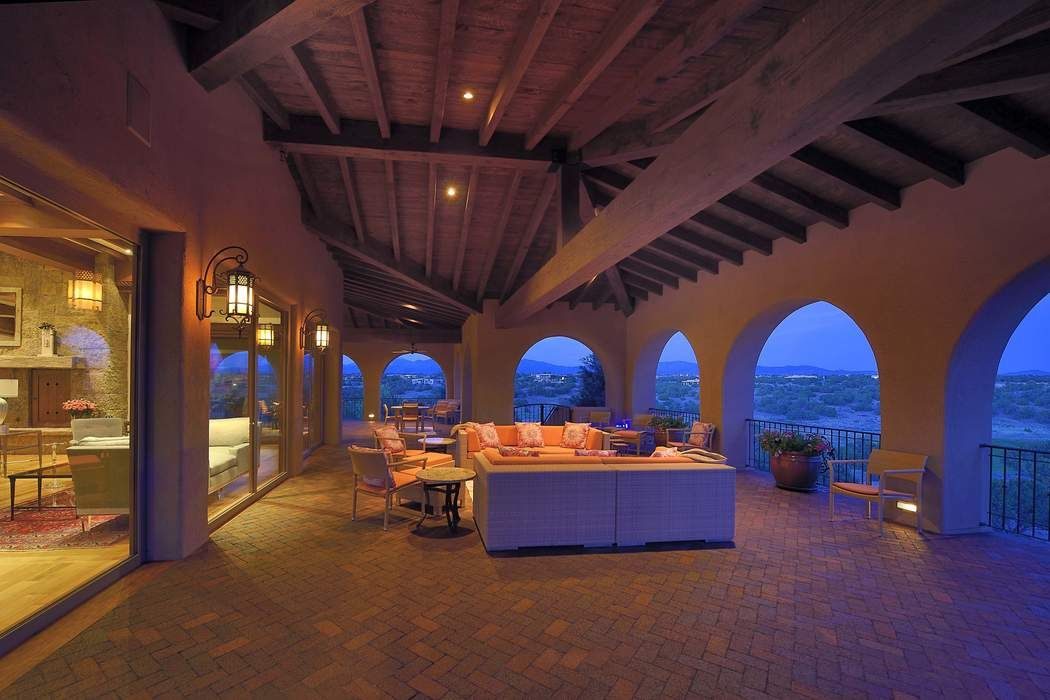16 Hacienda Rincon Santa Fe, NM 87506