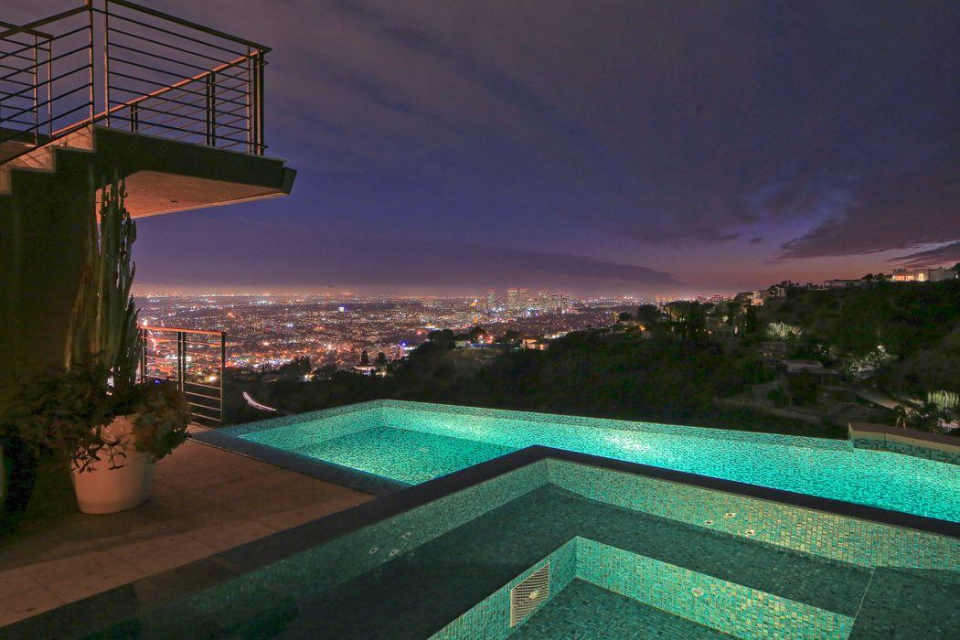 1571 Haslam Terrace Los Angeles Ca 90069 Sotheby S