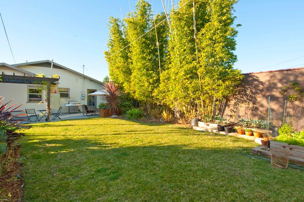 1282 Meadowbrook Avenue Los Angeles, CA 90019