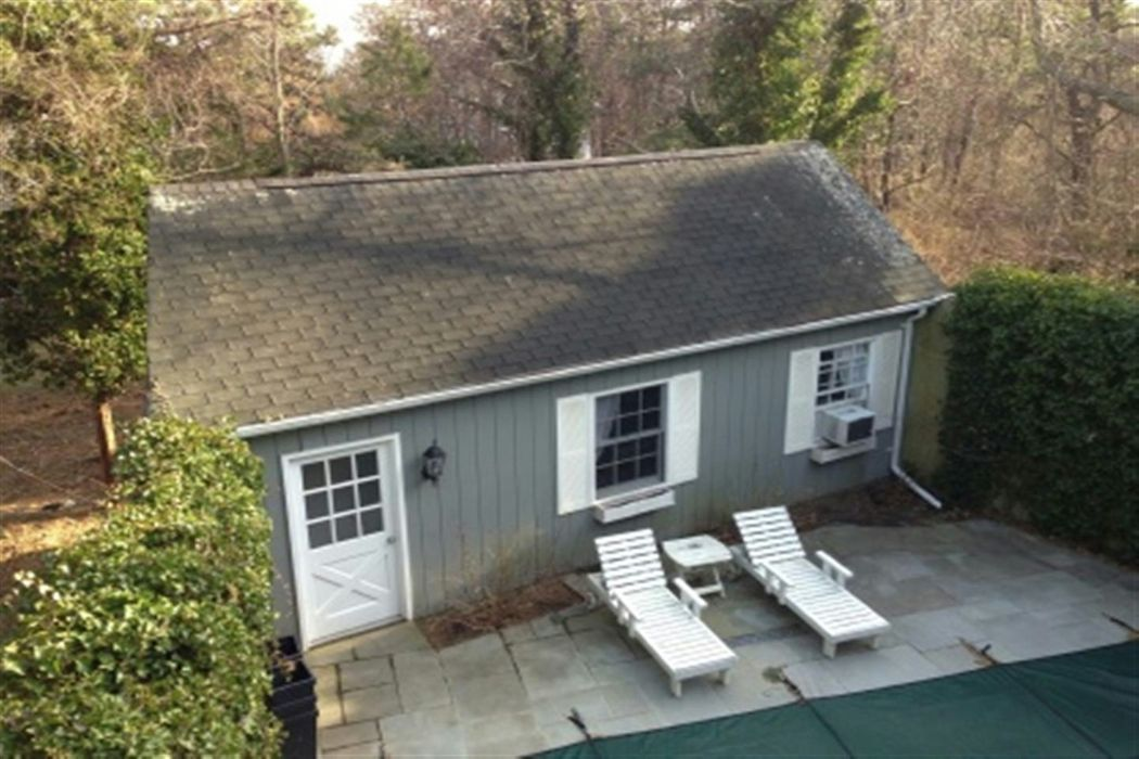 Lovely Southampton South Location Southampton, NY 11968