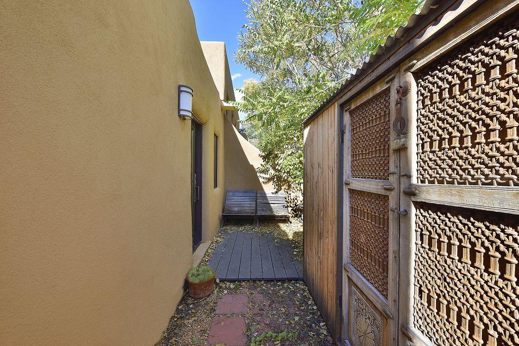 615 Rio Grande Ave Santa Fe, NM 87501