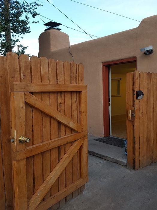 1017 Hickox Santa Fe, NM 87505