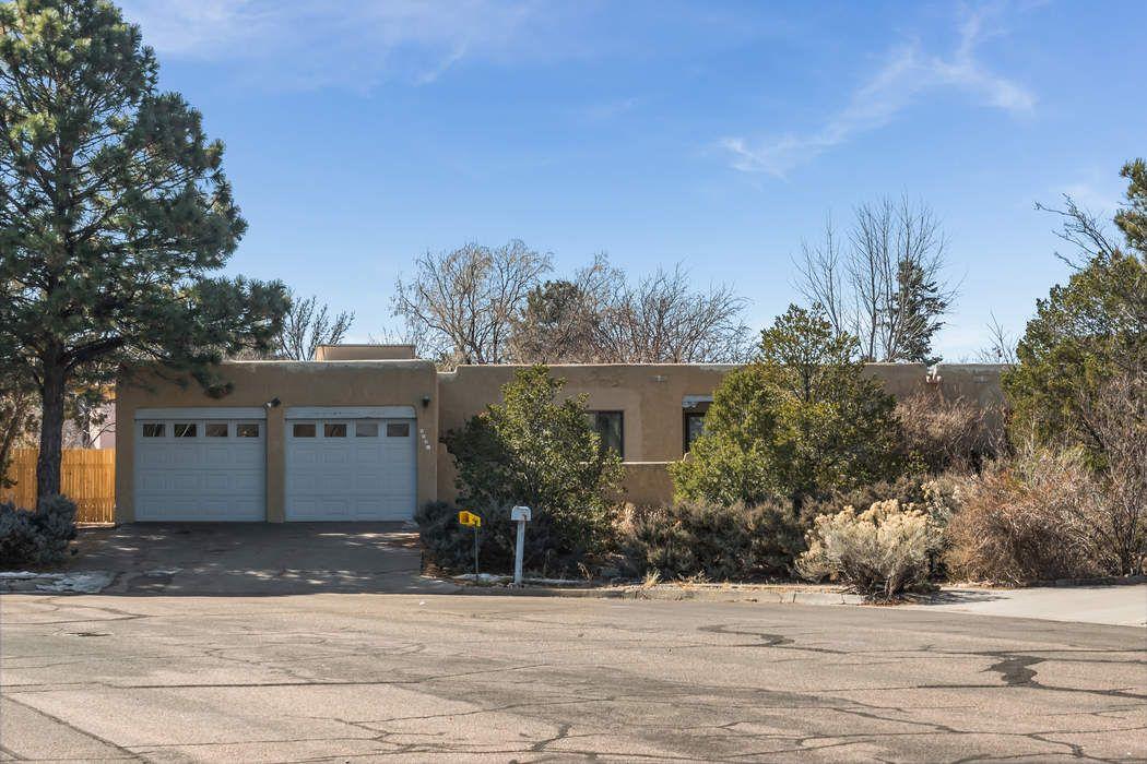 2581 Avenida De Isidro Santa Fe, NM 87505