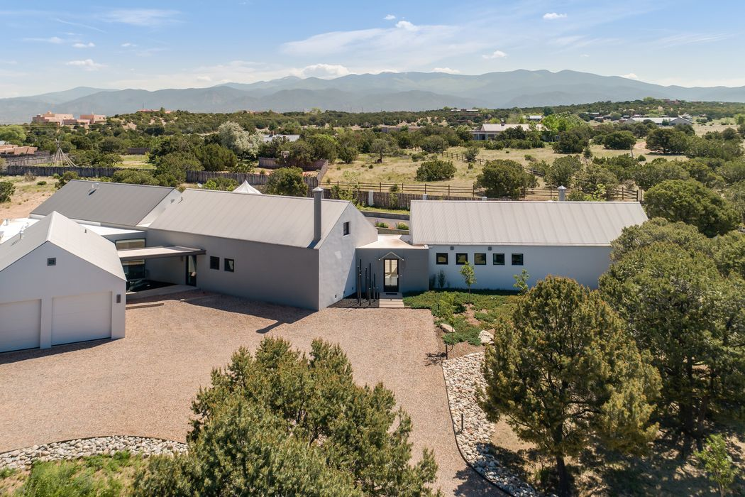 7 Camino Don Patron Santa Fe, NM 87506