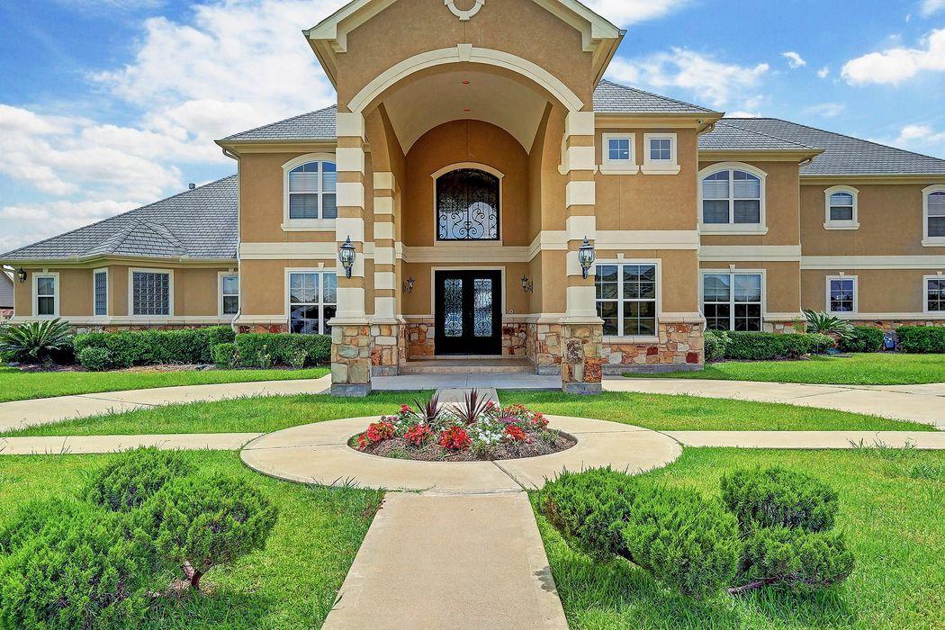 5918 Waterwalk Court Richmond, TX 77469