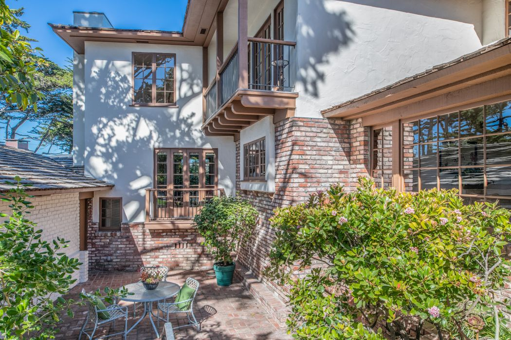 26279 Ocean View Avenue Carmel, CA 93923