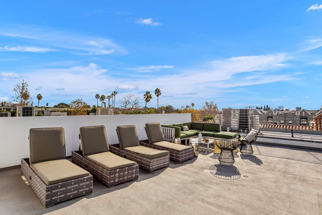 928 North Croft Avenue Los Angeles, CA 90069