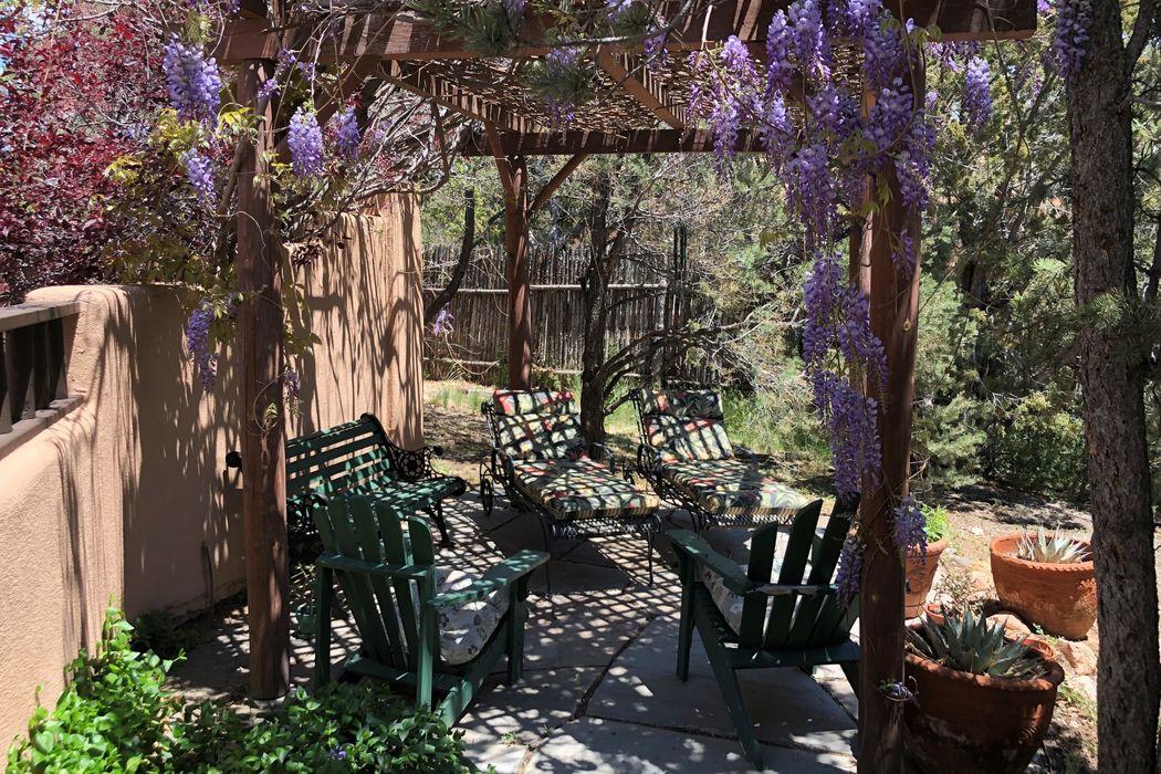 1851 Forest Circle Santa Fe, NM 87505
