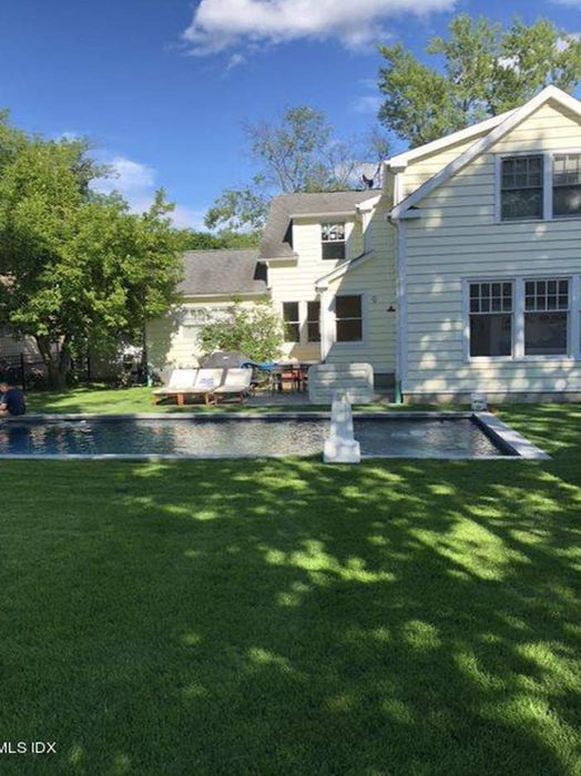 12 Center Road Old Greenwich, CT 06870