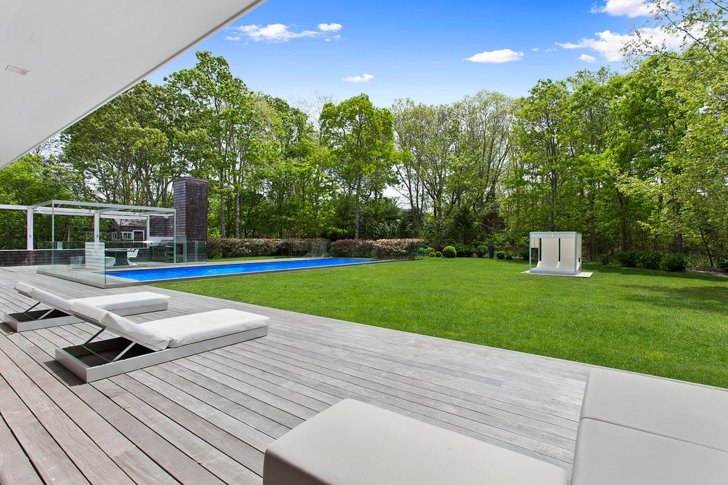 196 Meadows West Bridgehampton, NY 11932