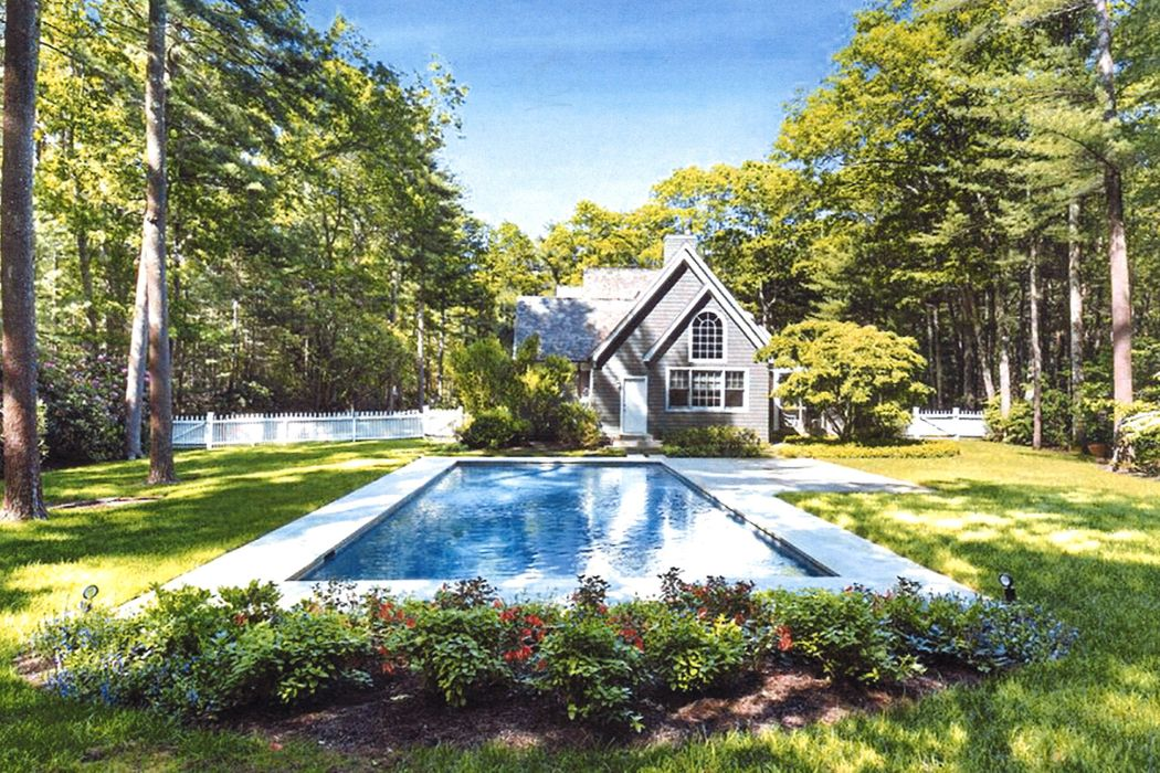 9 Old Pine Drive East Hampton, NY 11937