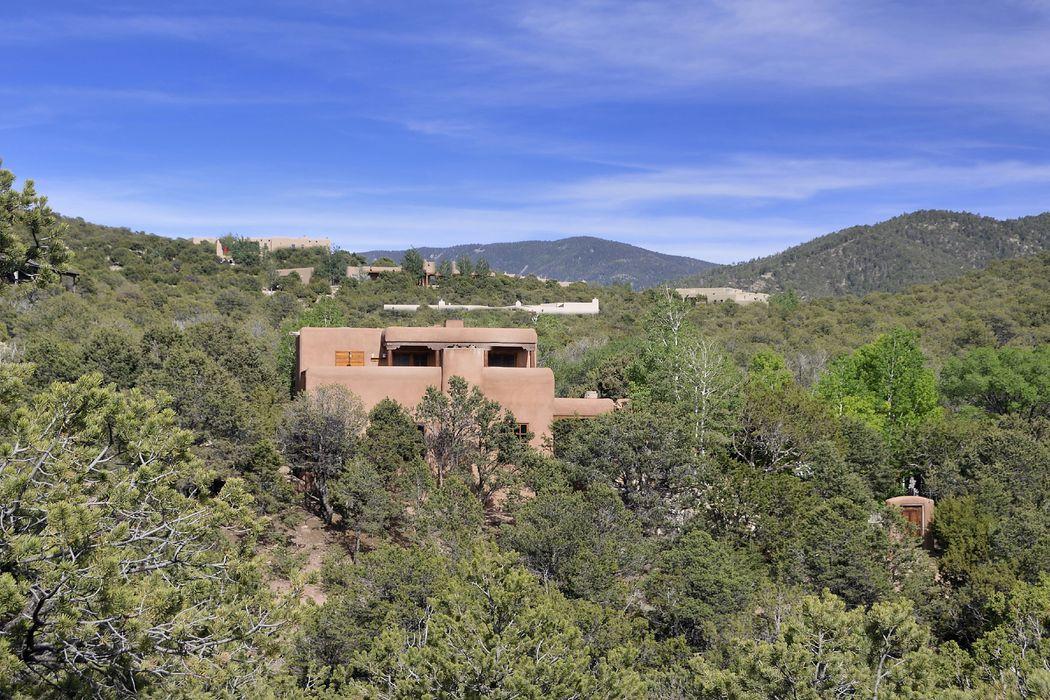 930 Paseo De Andres Santa Fe, NM 87501