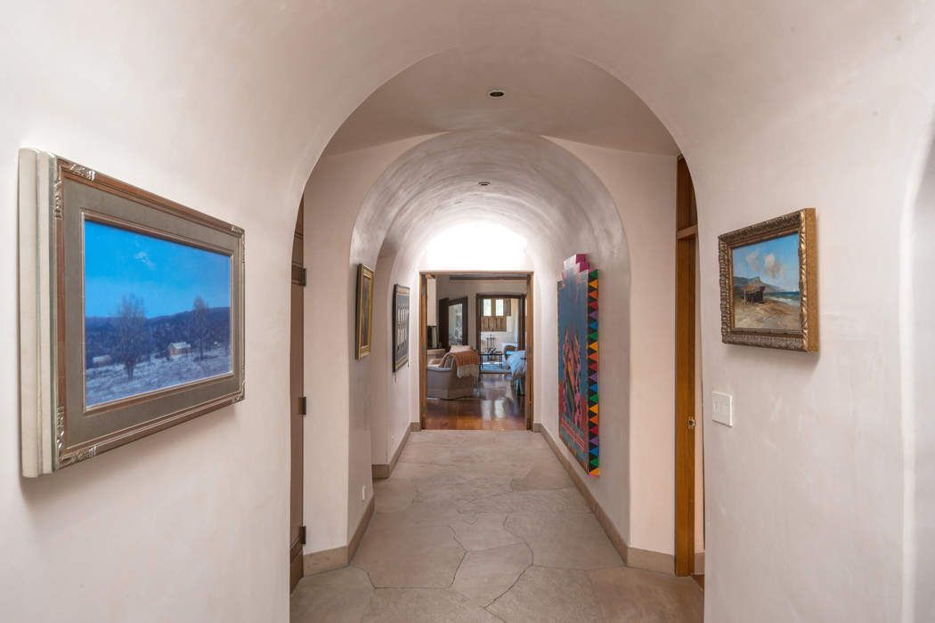 224 Headquarters Trail Santa Fe, NM 87506