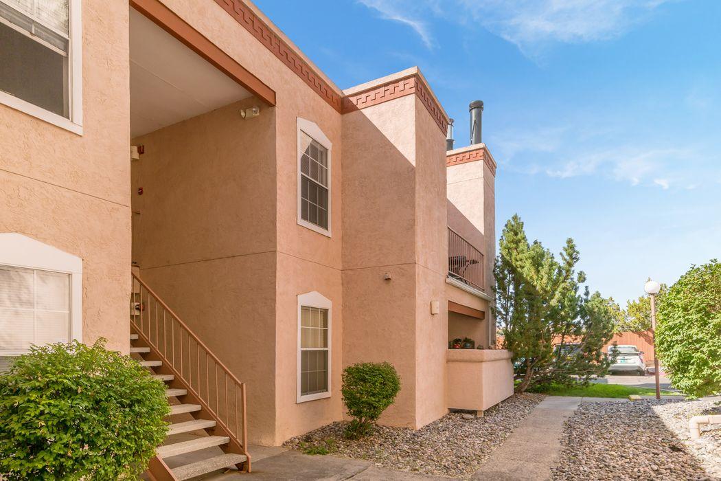 2501 W. Zia Road #8-210 Santa Fe, NM 87505