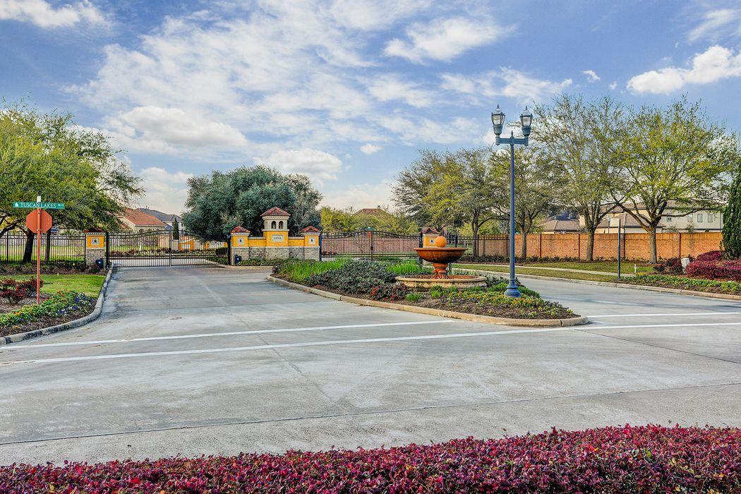 2755 San Nicolo Lane League City, TX 77573