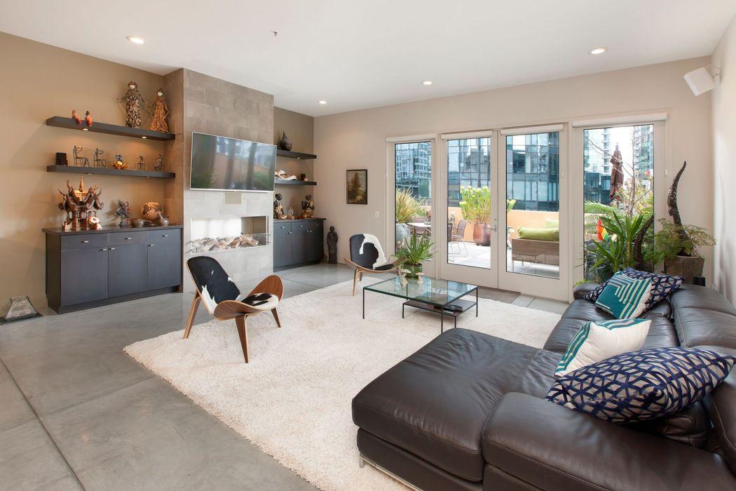 New York Style Contemporary Living San Francisco, CA 94105