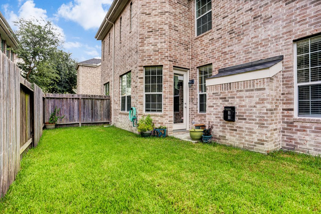 3210 Holly Meadow Drive Houston, TX 77042
