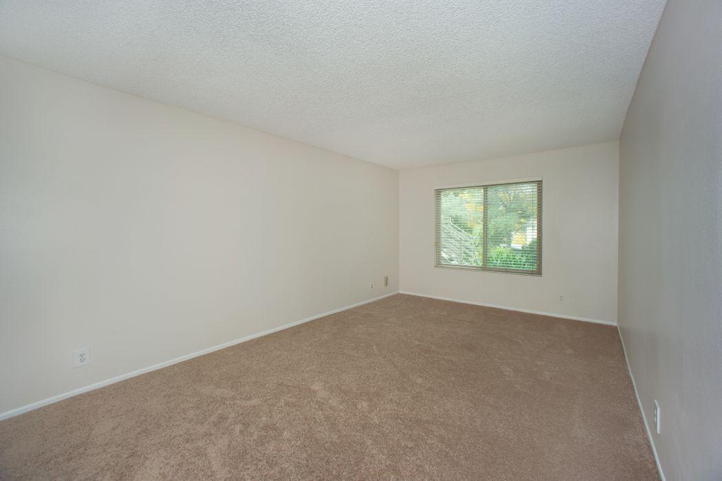 751 Birchpark Circle, #102 Thousand Oaks, CA 91360