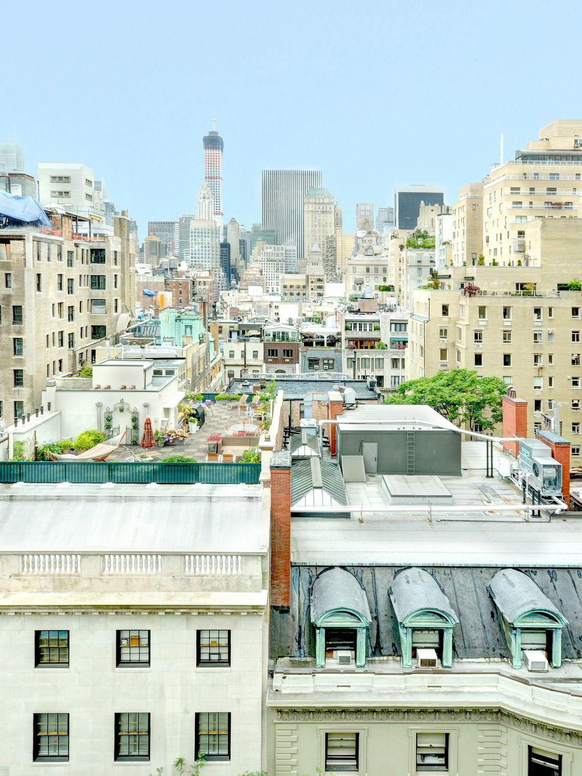 3 East 69 Street – High Floor, Open View
