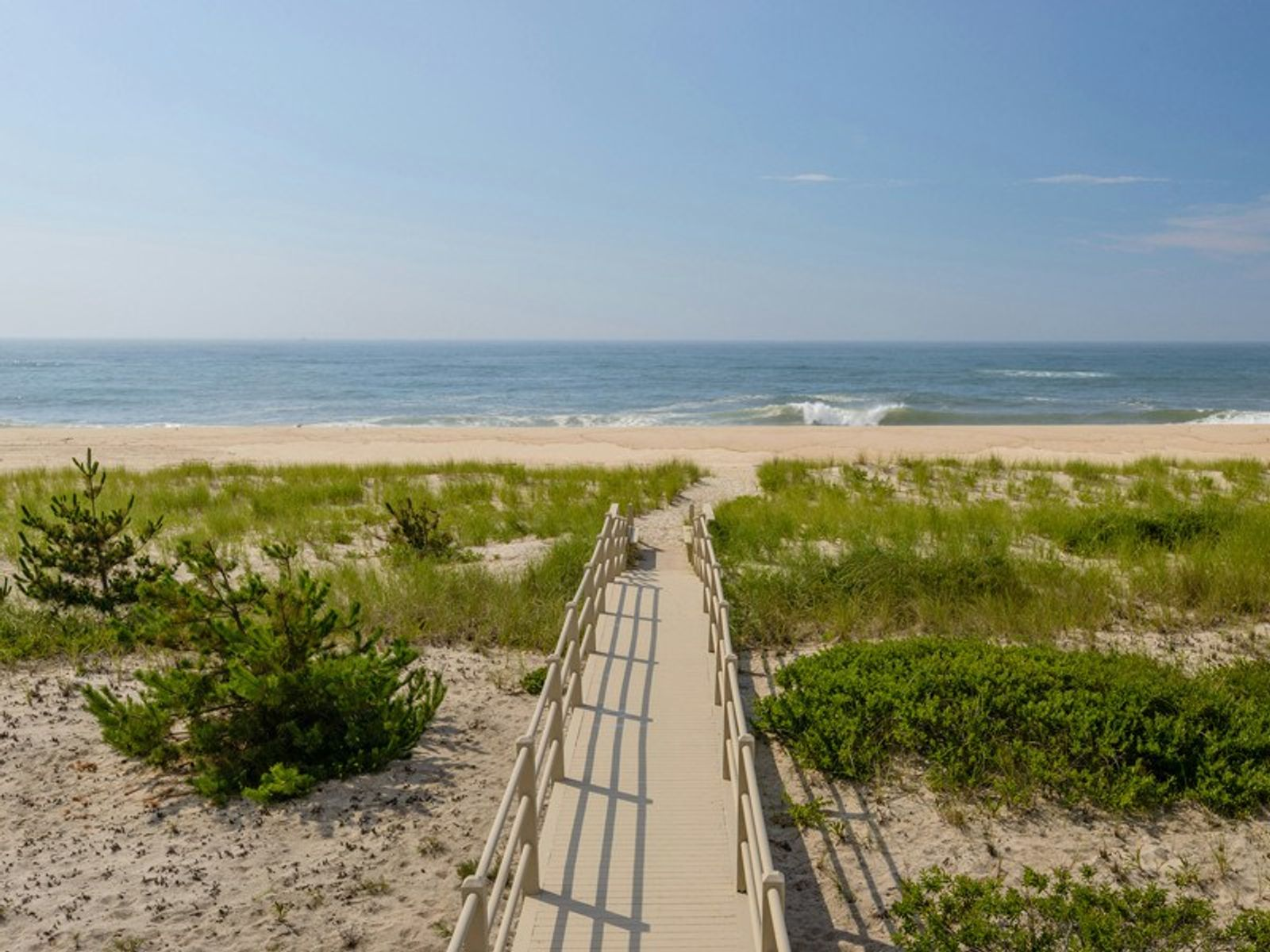 Meadow Lane Oceanfront with Bay View, Southampton NY Single Family Home - Hamptons Real Estate