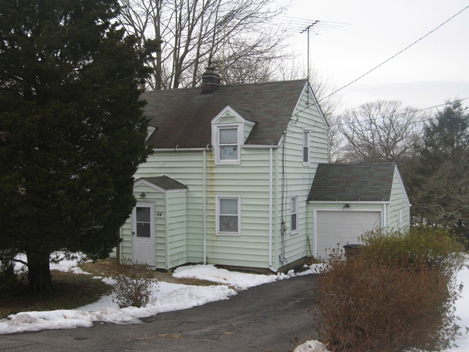 Great Opportunity , Stamford CT Single Family Home - Greenwich Real Estate