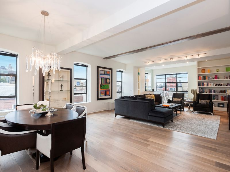 Elegance in the Heights